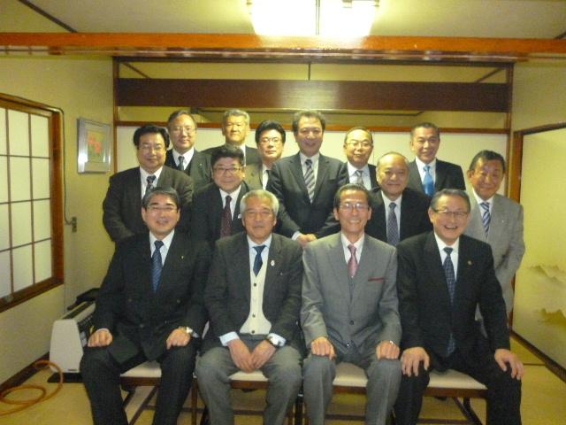 明大中野同窓会「武陵会」との懇親会を行いました